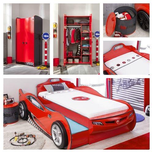 Cameretta autoletto a forma di coupe con letto per gli for Letto per gli ospiti