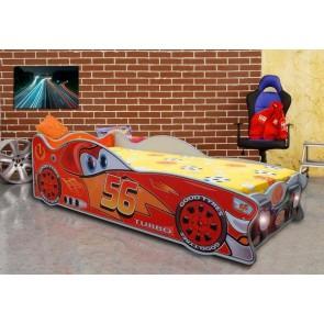 Mini autoletto a forma di Saetta McQueen
